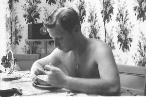 Saul at breakfast